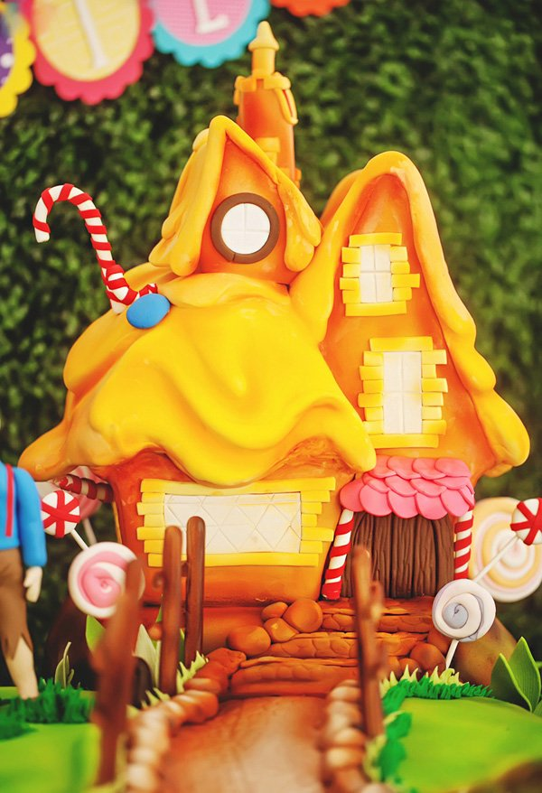 hansel and gretal gingerbread house birthday cake