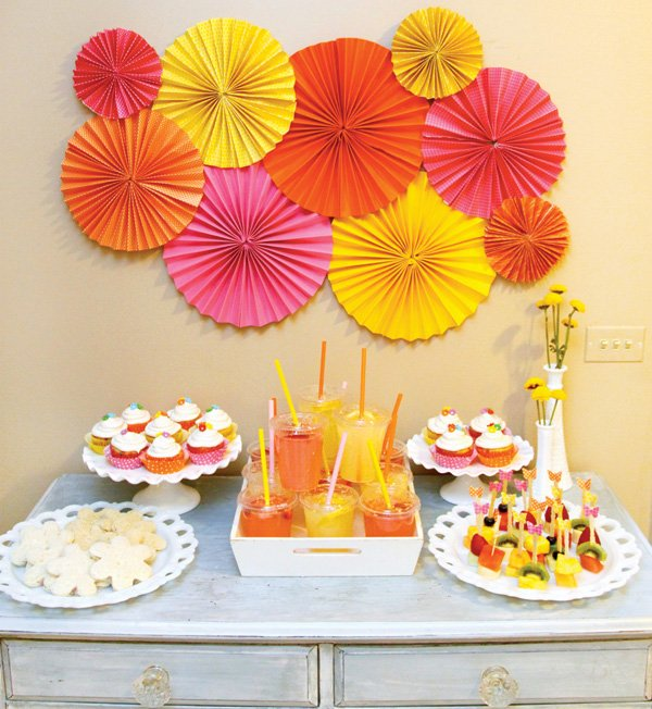20 Ways To Decorate With Orange And Yellow: Girly Garden Birthday Party {Party On A Dime #2