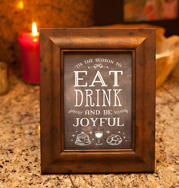 free-printable-holiday-sign-chalkboard-style