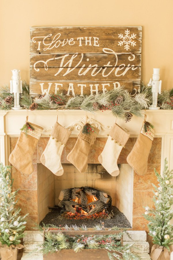 vintage christmas mantle