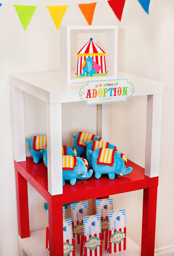 circus party favors - elephant adoption station