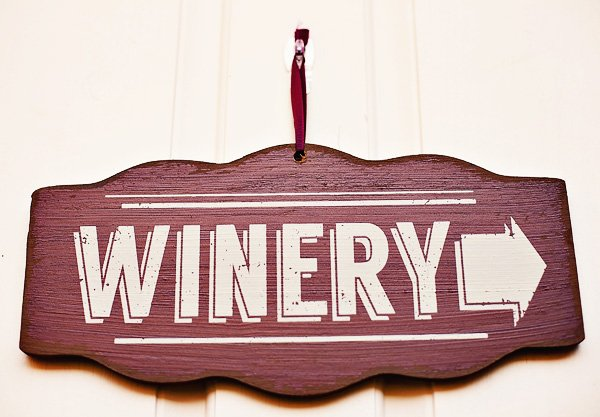 7_wooden-winery-sign