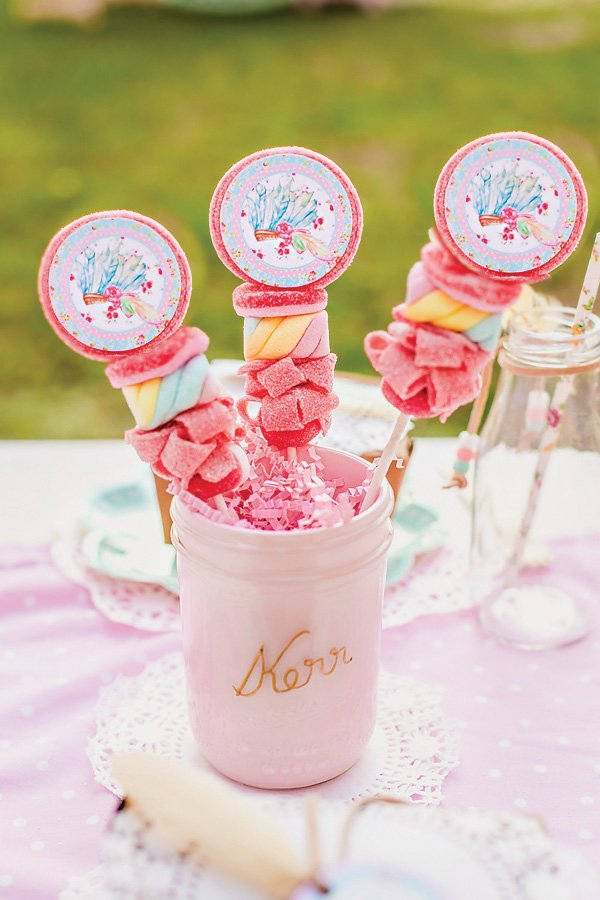 Shabby Chic Pow-Wow Candy Kabobs