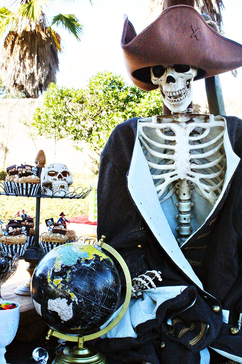 pirate skeleton decorations