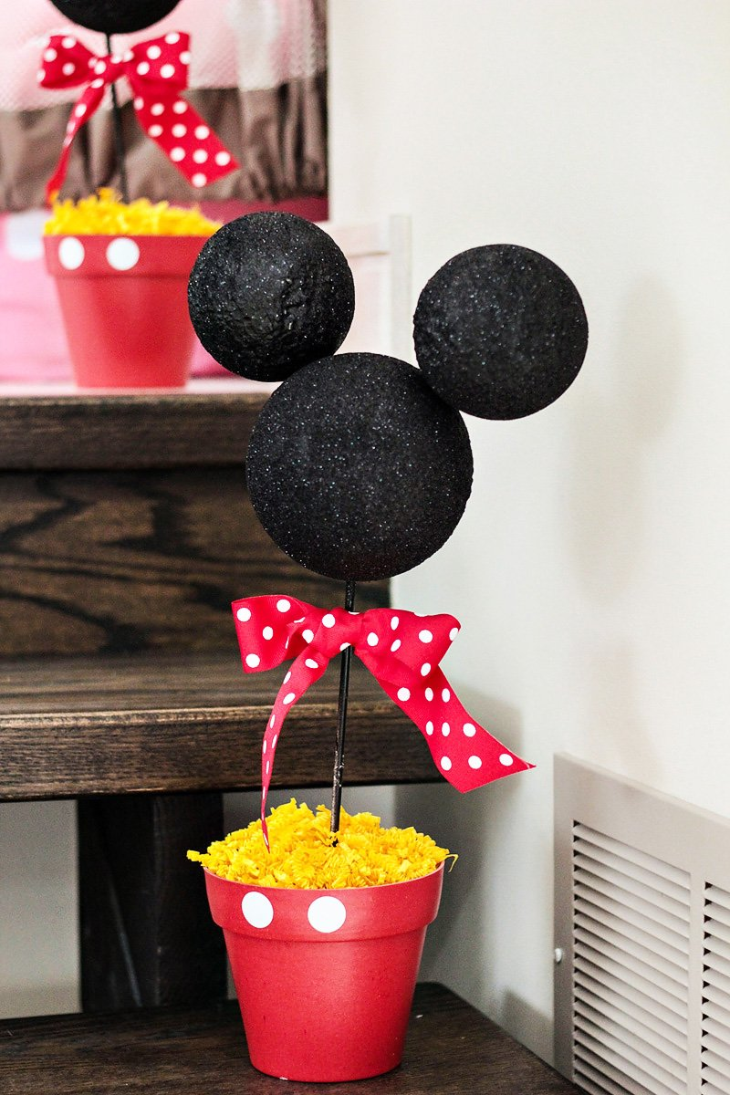 mickey and minnie birthday party topiary