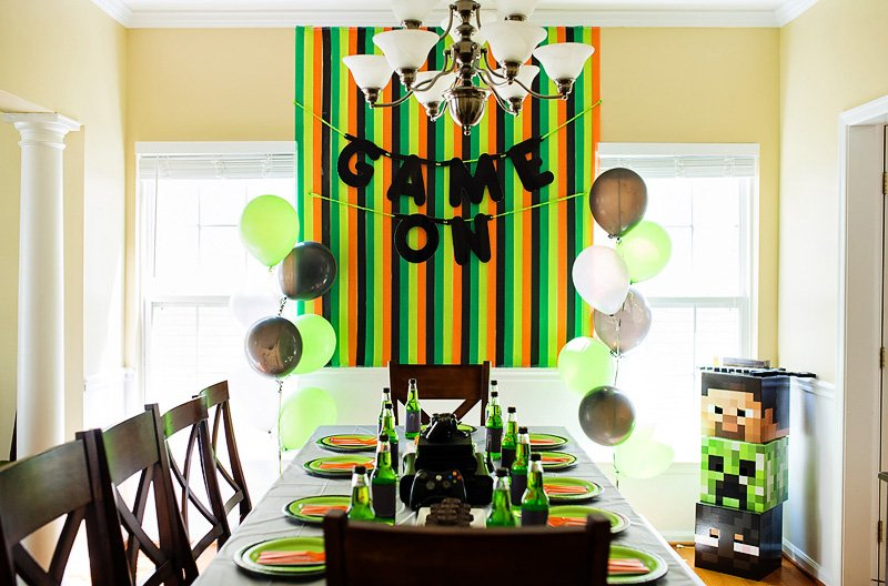 Mincraft party table ideas