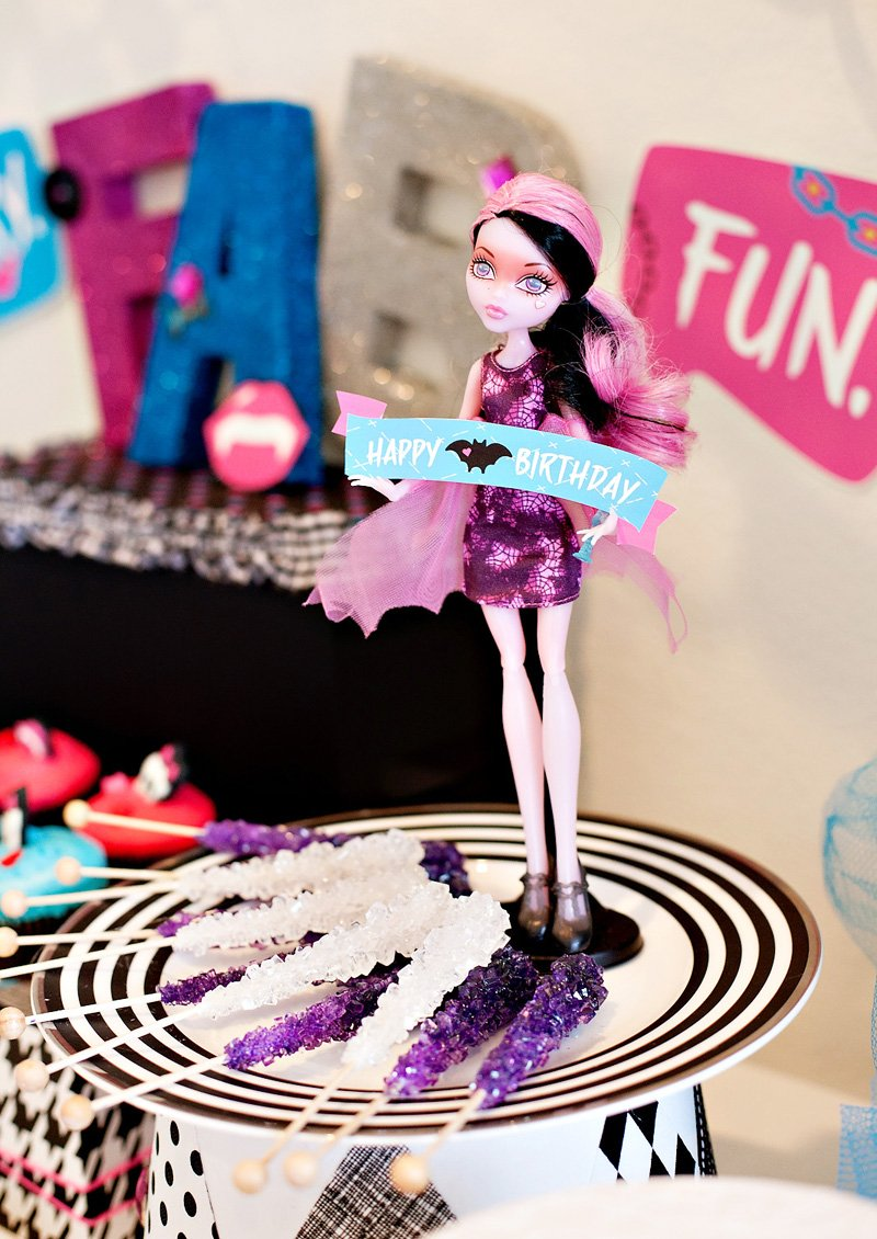 Monster High Party Draculaura Doll Treats