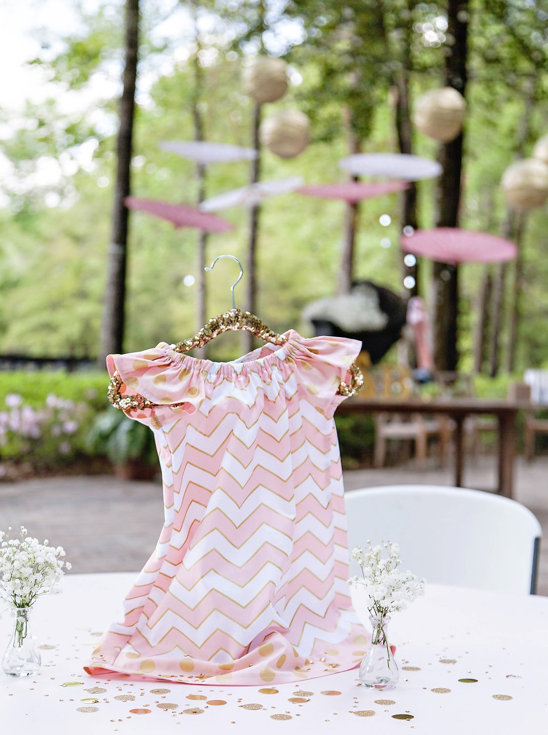 Glitzy pink gold baby sprinkle shower hostess with for Baby shower decoration blog
