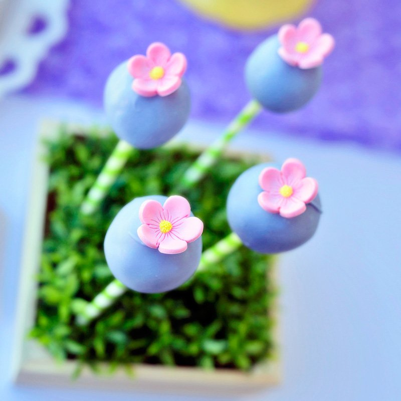 Flower Cake Pops - Pink Purple