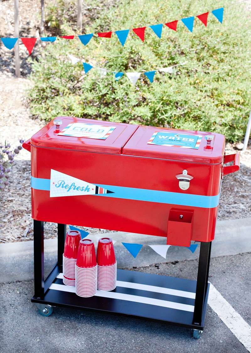 13_tailgate-party-drink-station