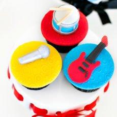 guitar-cupcake-topper
