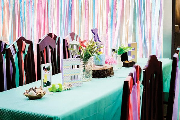 ribbon decorated party tablescape