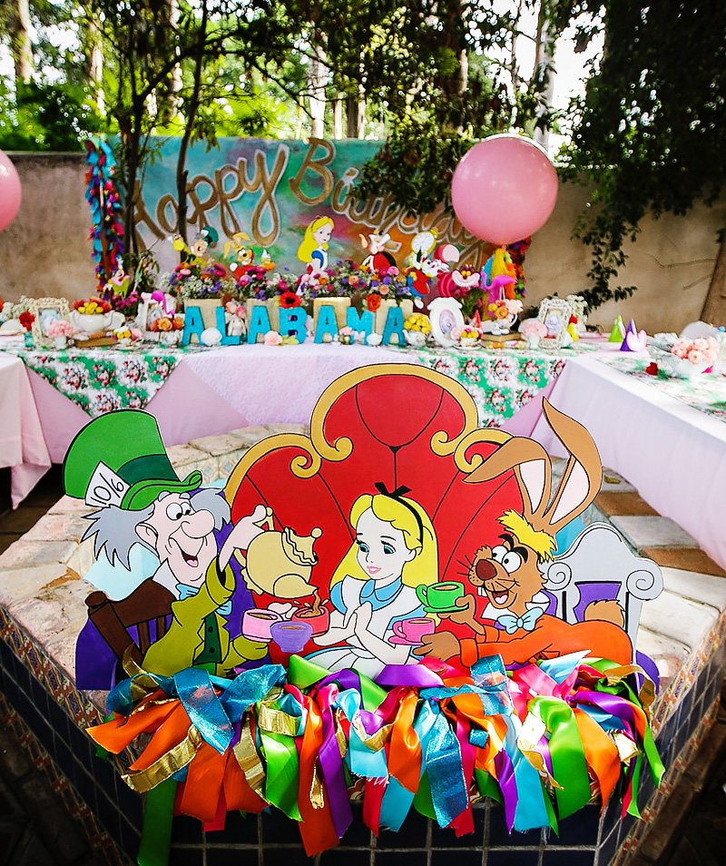 alice in wonderland kids party