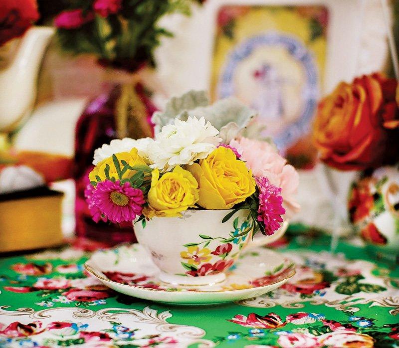 alice in wonderland tea party decorations