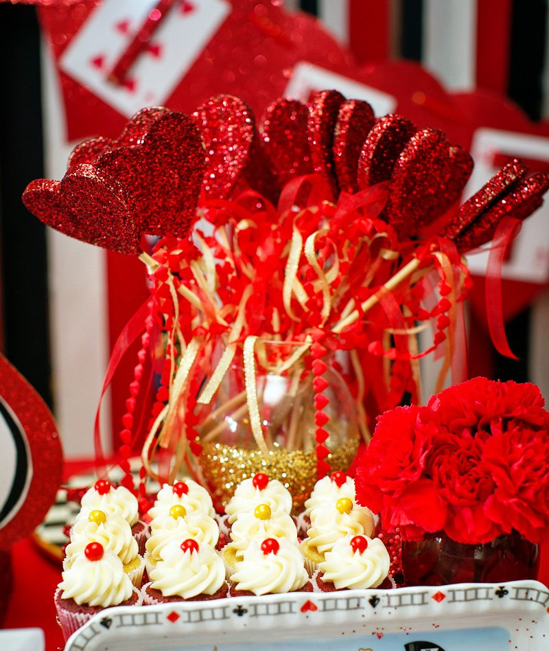 queen of hearts sparkle wands