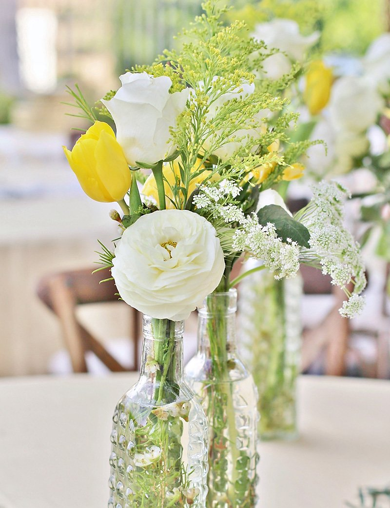 rustic yellow and white flower centerpiece