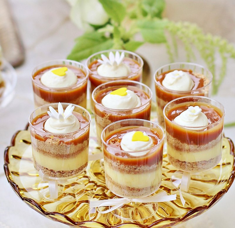 butterscotch pudding parfaits - yellow and white