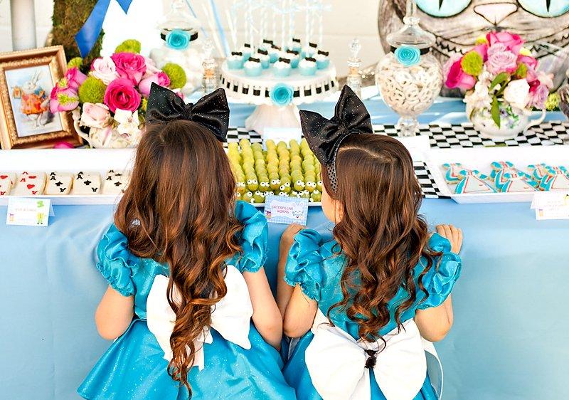 Alice in Wonderland Girls Costumes