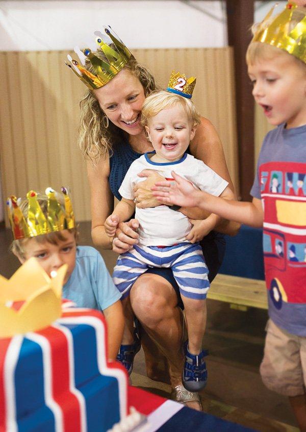 mini gold glitter birthday crown