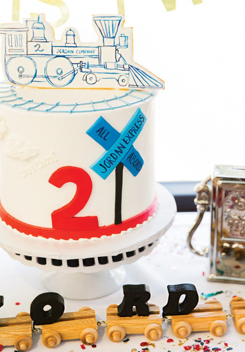 railroad-train-birthday-cake