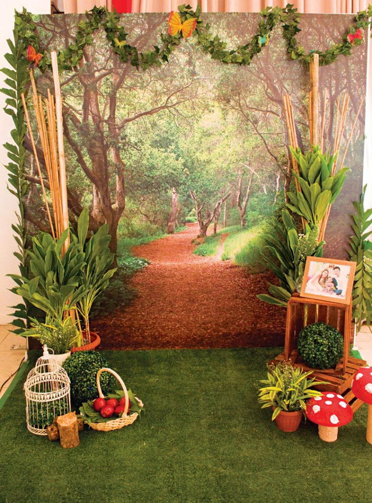 woodland photo booth backdrop