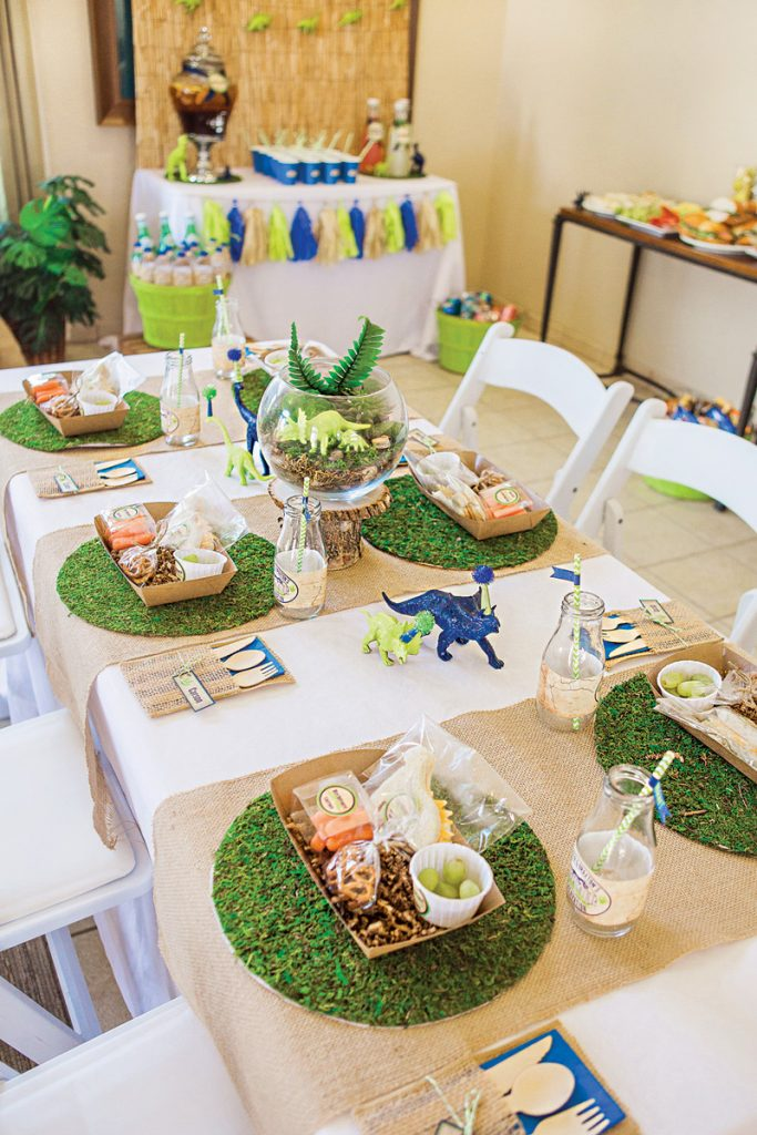 dinosaur birthday party tablescape ideas