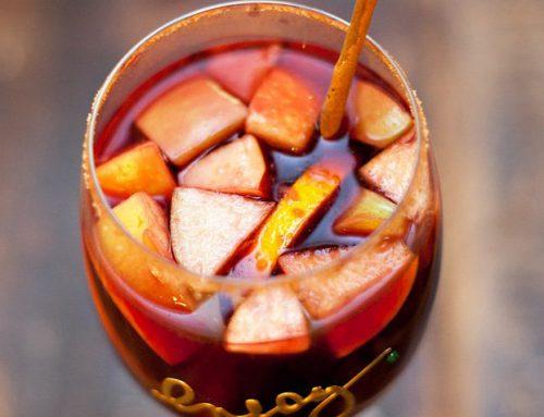 Autumn Apple Sangria {with Cinnamon & Apple Cider}