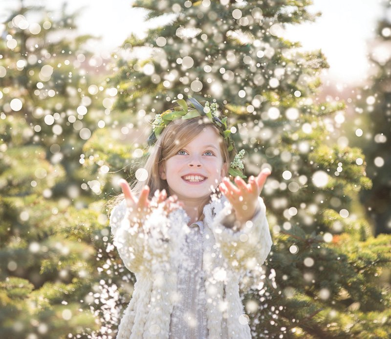 kids snowy holiday photoshoot