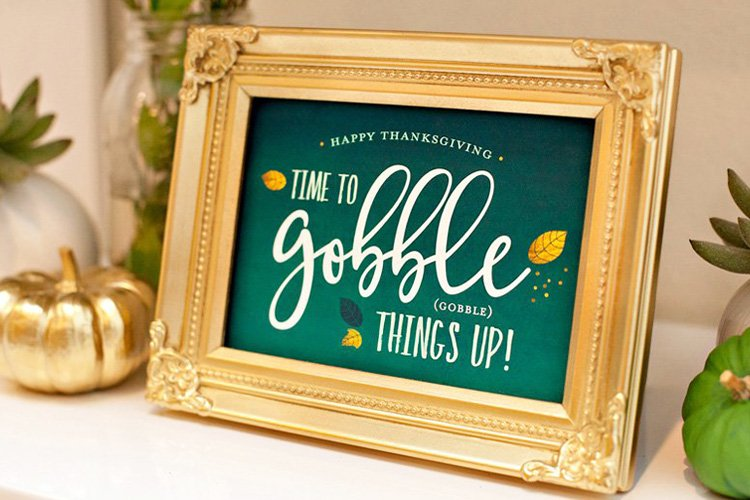 A Beautiful Green & Gold Thanksgiving + Free Printables