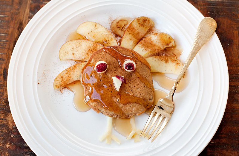 Quick & Easy Pumpkin Apple Spice Pancakes for Thanksgiving