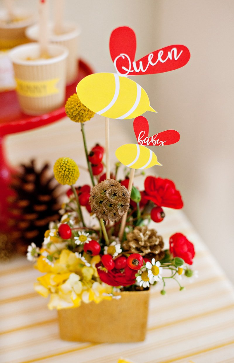 Queen Bee and Baby Bee Centerpiece