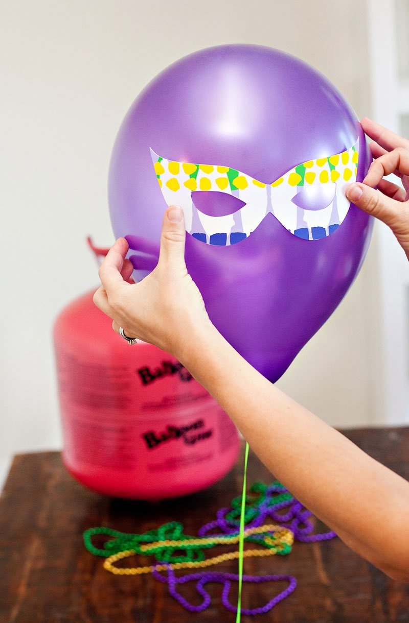 Purple Balloon with Printable Mardi Gras Mask