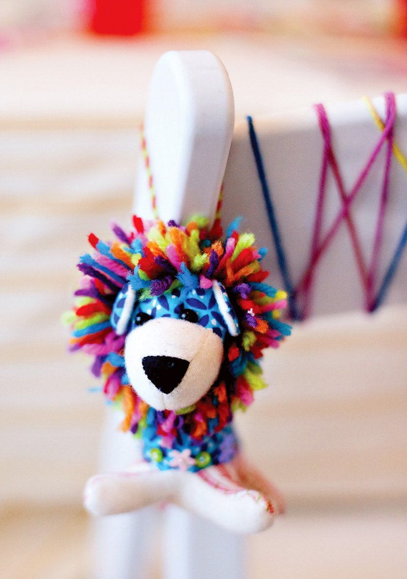 Rainbow Lion Party Favor