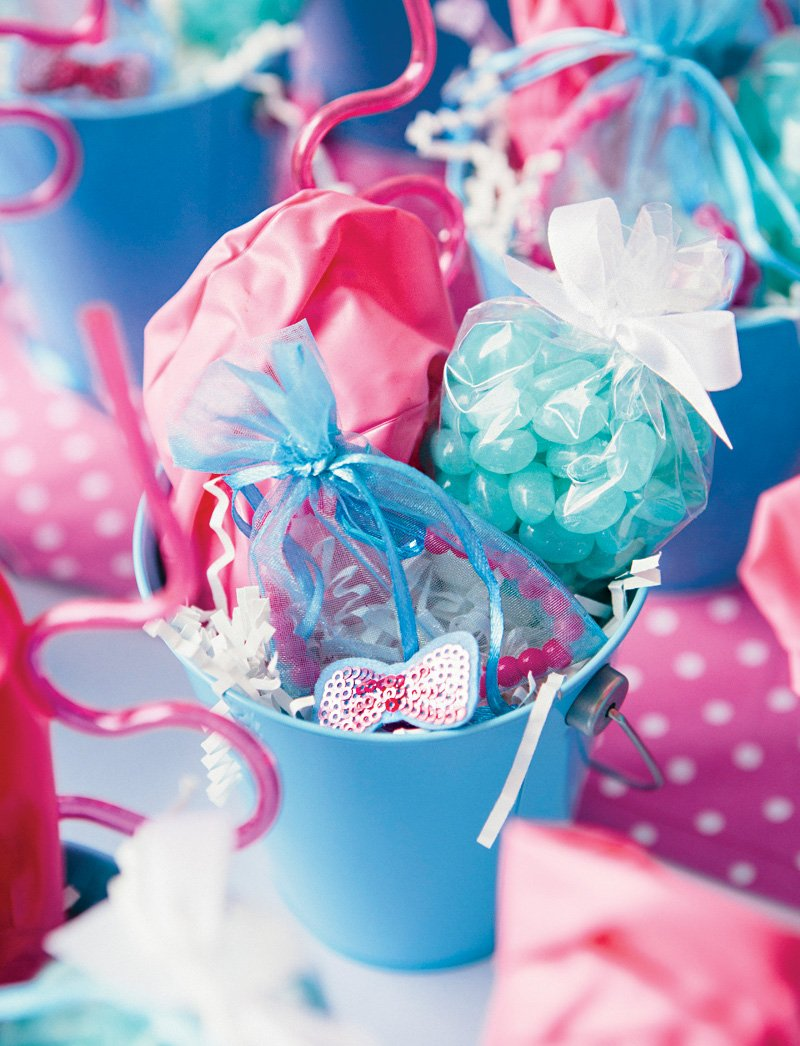 pool party bucket favors