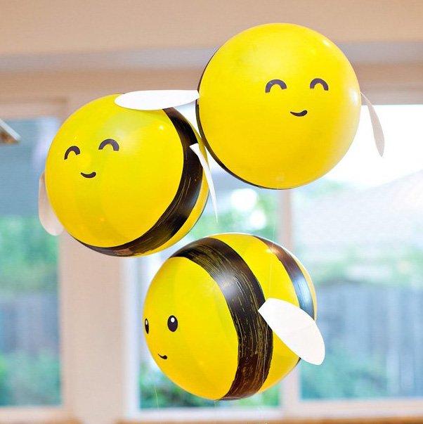 DIY Bumble Bee Balloons (Tutorial & Video)
