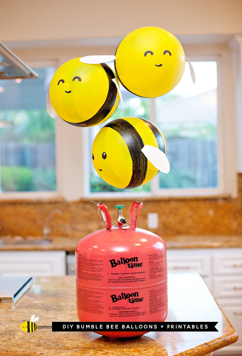 DIY Bumble Bee Balloons (Tutorial & Video) // Hostess with the Mostess®