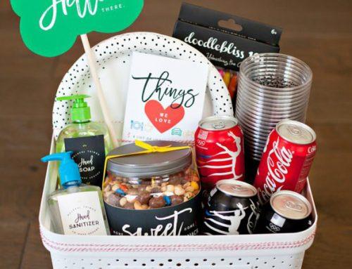 "Creative ""Welcome Neighbor"" Gift Ideas + #ThatsGold Coca-Cola Giveaway"