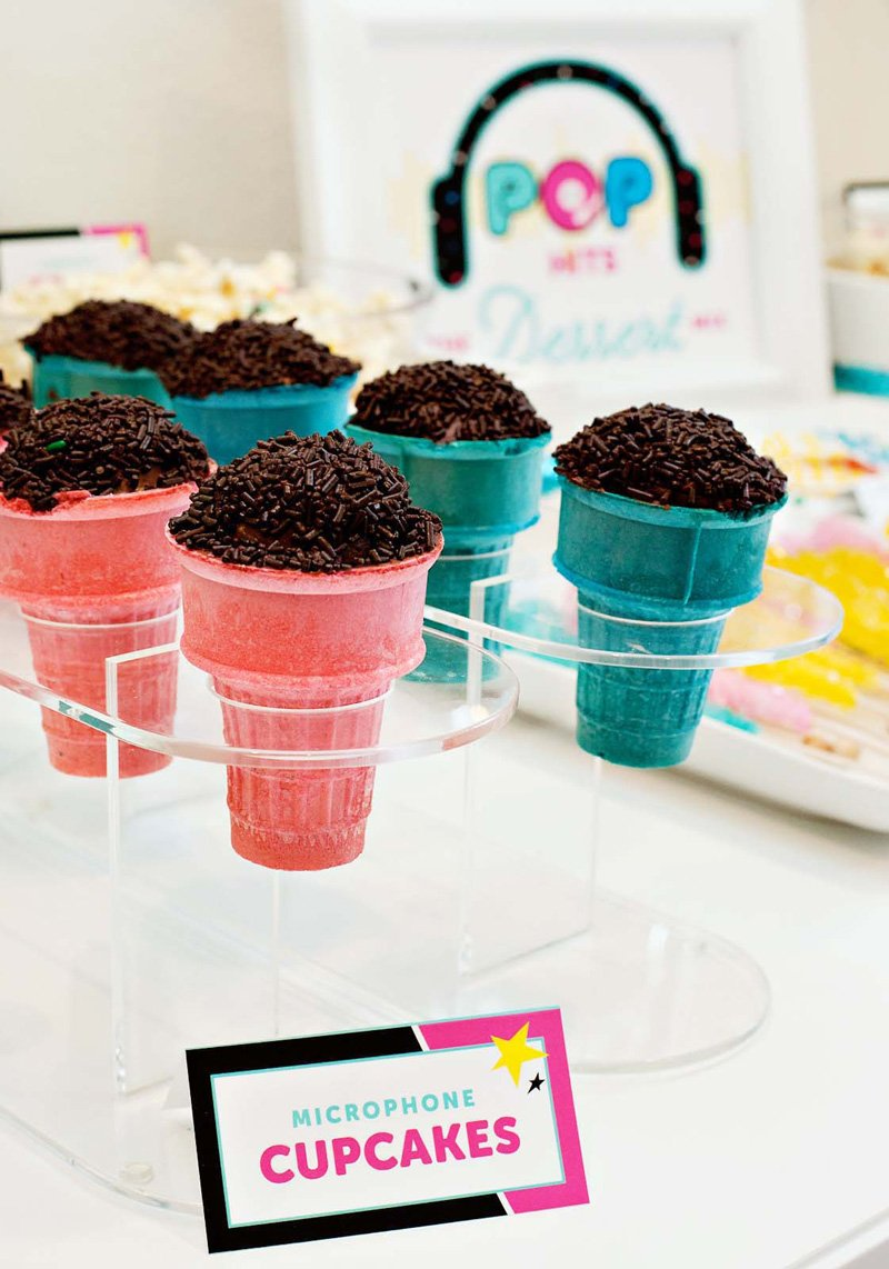 DIY Microphone Cupcakes for a Pop Star Party