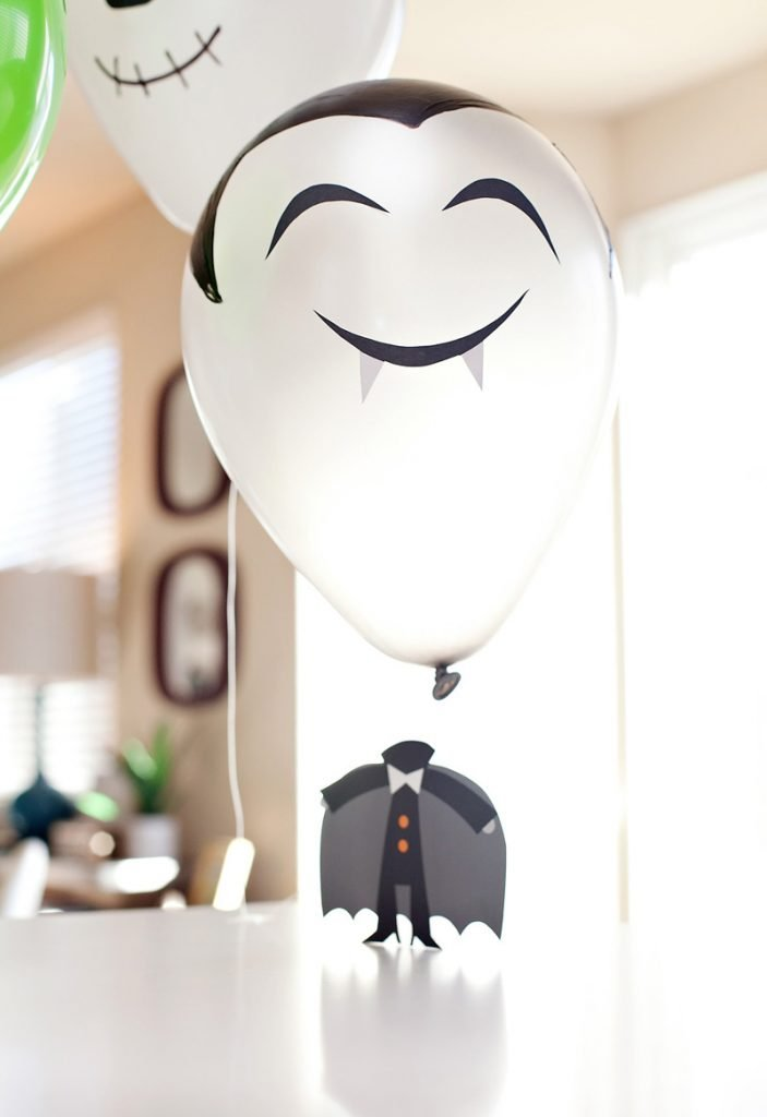 DIY Vampire Balloon