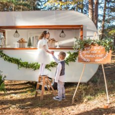 vintage-camper-christmas_featured_square