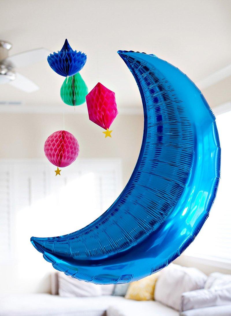 Giant Moon Balloon - Blue