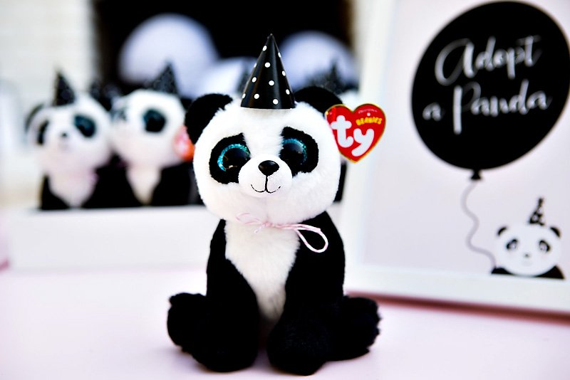 plus panda party favor