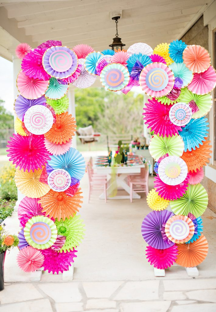Paper Pinwheel Photo Arch