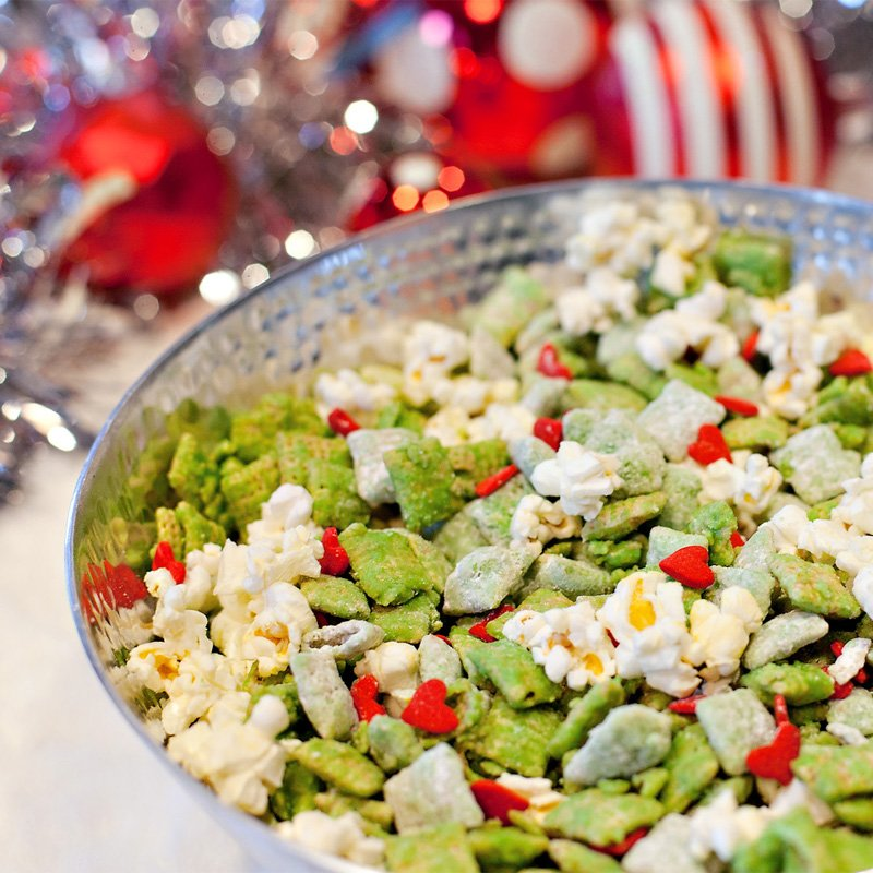 Grinch themed holiday treat mix