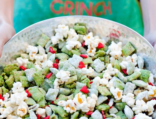 Grinch Inspired Muddy Buddies Snack Mix