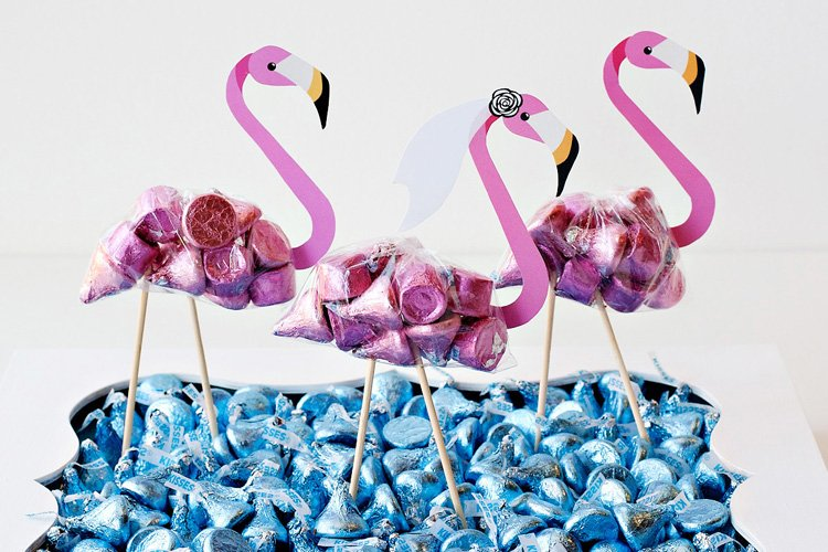 DIY Flamingo Party Favors