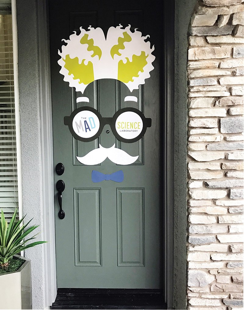 mad scientist decoration - door sign