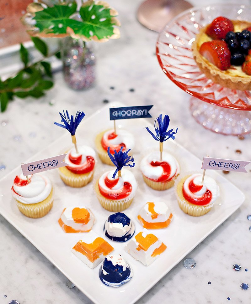 Mini Cupcakes with Printable Flags
