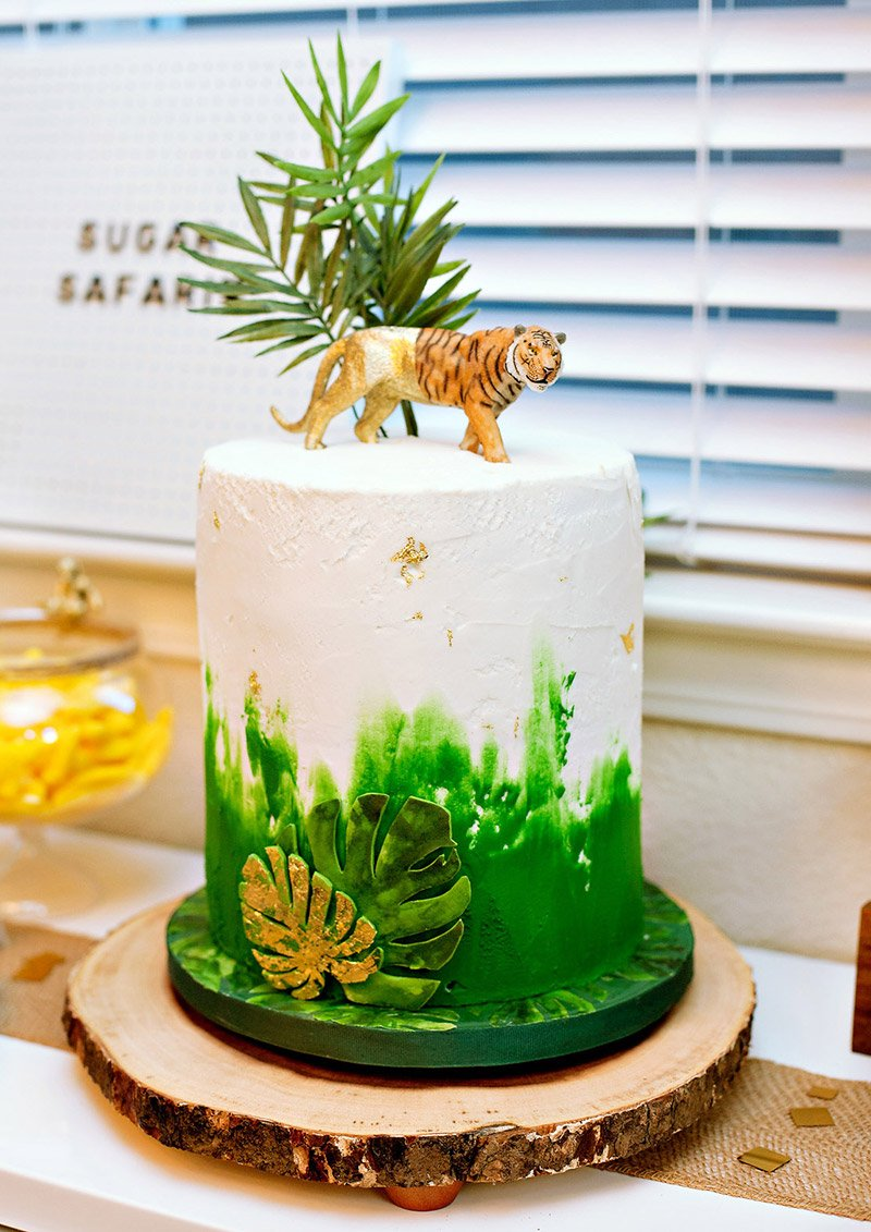 jungle safari party cake with tiger topper