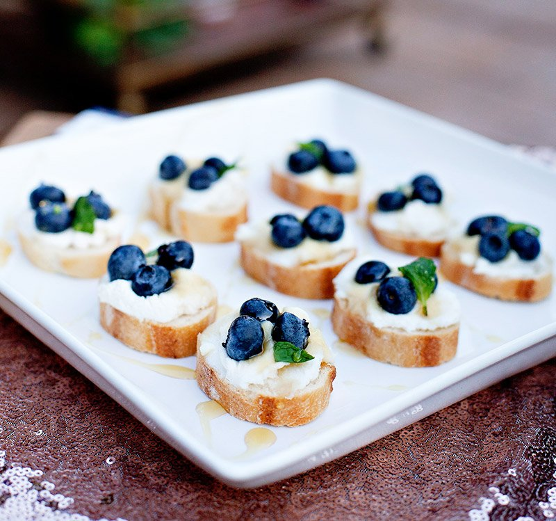garden party appetizer ricotta berry crostini